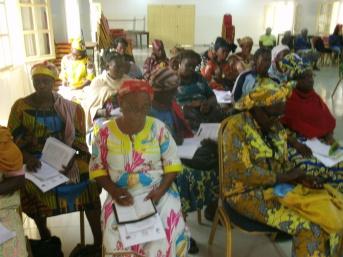prise de vue pendant la formation des 33 veuves leaders